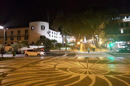 In de avond nog een rondje stad