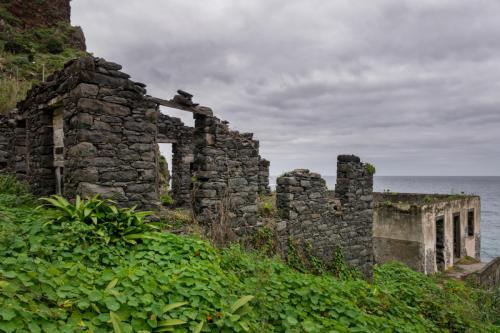 Ruine nabij Ponta de Sao Jorge